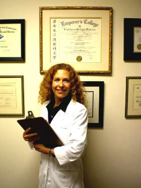 Doctor of Acupuncture Laurie Binder